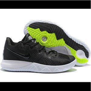 Nike Kyrie Irving Flytrap Basketball Shoes